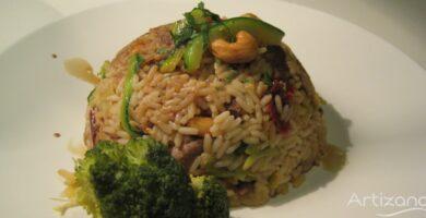 Receta de Arroz con Ternera, anacardos y soja