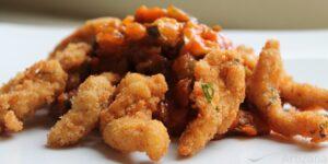 Deliciosas lagrimitas de pollo rebozadas con pisto